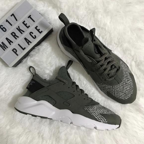 4d0e08ec610e0 NEW Nike Air Huarache Run Ultra SE River Rock